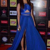 alia-bhatt-at-star-guild-awards-2015-photos5