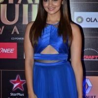alia-bhatt-at-star-guild-awards-2015-photos7