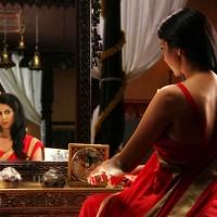 1428677303kamalinee-mukherjee-srimukhi-chandrika-movie-latest-stills1