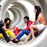 1429285813nandu-madhurima-kesha-khambhati-shamili-agarwal-bhargavi-kanumuri-close-friends-movie-stills-14