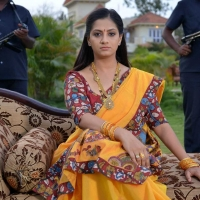 1428677924dhanalakshmi-talupu-tadithey-movie-stills-4