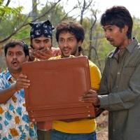 1428677925dhanalakshmi-talupu-tadithey-movie-stills-10