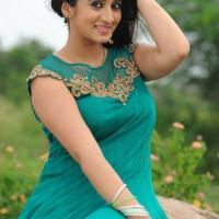 1428422080film-actress-harshika-poonacha-12