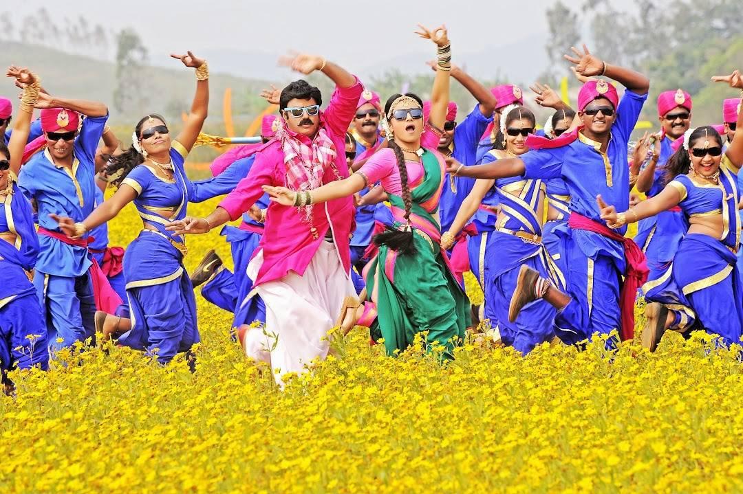 balakrishna-trisha-radhika-apte-lion-movie-stills-4