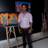indian-mouth-and-foot-painting-art-exhibition-photos-4