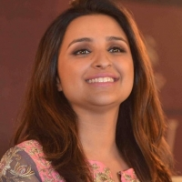parineeti-chopra-stills-at-siya-fashion-brand-launch-1