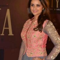 parineeti-chopra-stills-at-siya-fashion-brand-launch-15