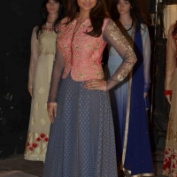 parineeti-chopra-stills-at-siya-fashion-brand-launch-5