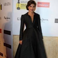 priyanka-chopra-stills-at-young-fashion-awards-2015-9
