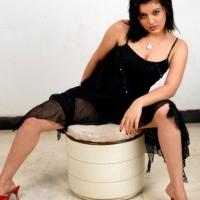 roshitha-hot-cleavage-10
