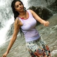 sanam-latest-spicy-wet-photos1