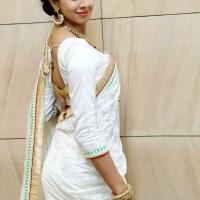 1428505011film-actress-sanjana-beautiful-white-saree-pics1
