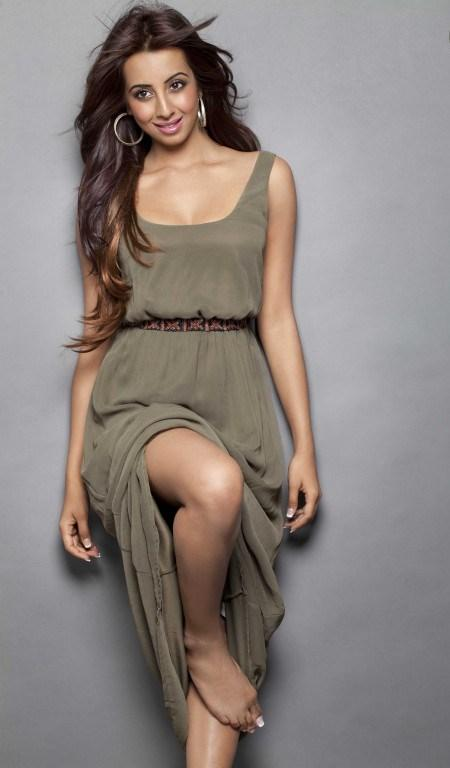 sanjjana-latest-spicy-photoshoot25