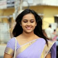 sri-divya-stills-in-vaaradhi-movie-1