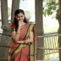 sri-divya-stills-in-vaaradhi-movie-3