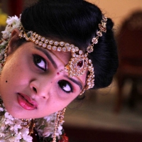 1428677655film-actress-srimukhi-chandrika-movie-stills-6