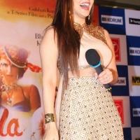 sunny-leone-stills-at-ek-paheli-leela-movie-promotions-8