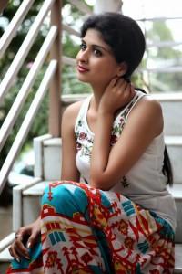 Naveena spicy Pics (10)