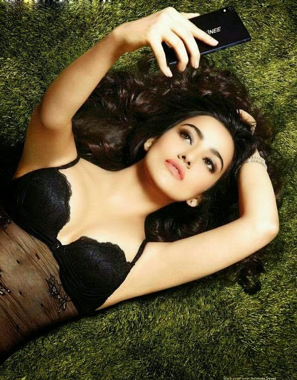 Neha-Sharma-Hot-FHM-August-2014-HQ-Photoshoot-Photos-6-