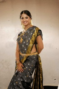 Actress Anushka Shetty Latest Cute Hot Exclusive Bridal Saree Spicy Photos Gallery (13)
