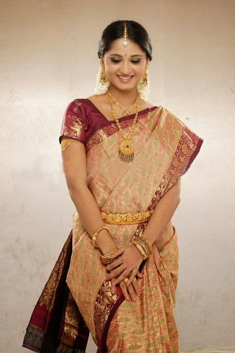 Actress Anushka Shetty Latest Cute Hot Exclusive Bridal Saree Spicy Photos Gallery (2) (1)