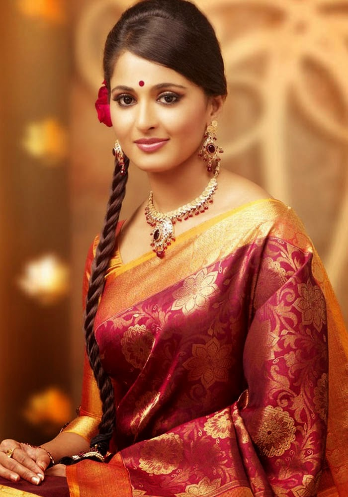 Actress Anushka Shetty Latest Cute Hot Exclusive Bridal Saree Spicy Photos Gallery (9)