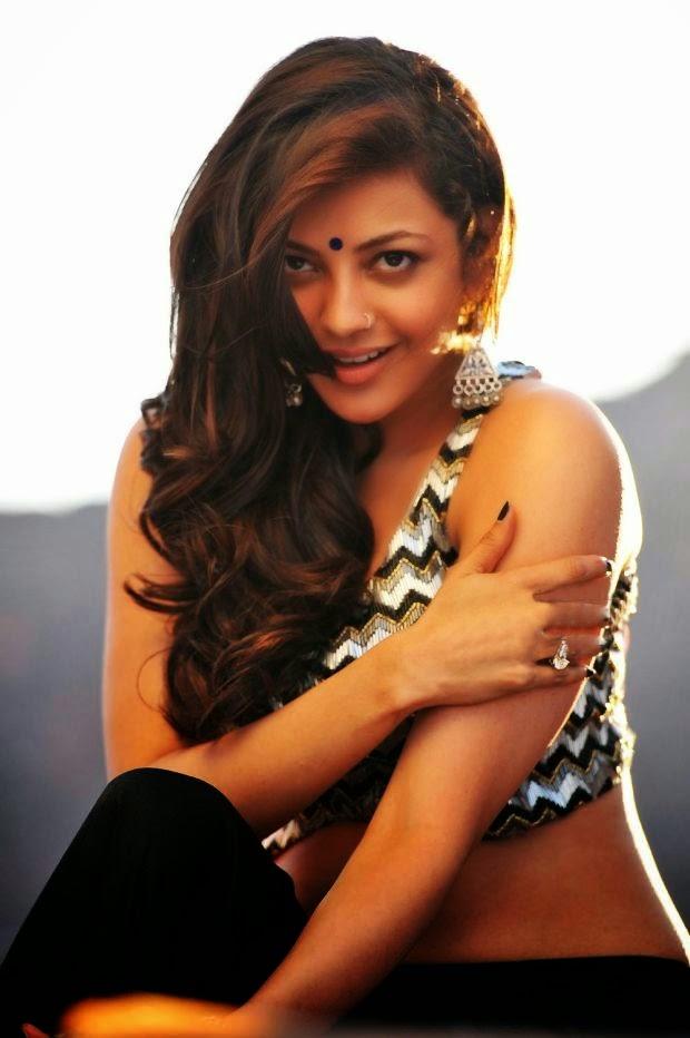 Actress Kajal Agarwal Latest Cute Hot Exclusive Spicy Photoshoot Gallery From Govindudu Andarivadele (10)
