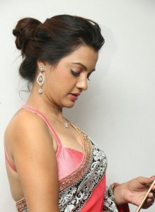 Deeksha-Panth-Latest (1)
