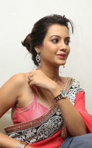 Deeksha-Panth-Latest (15)
