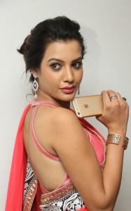 Deeksha-Panth-Latest (5)