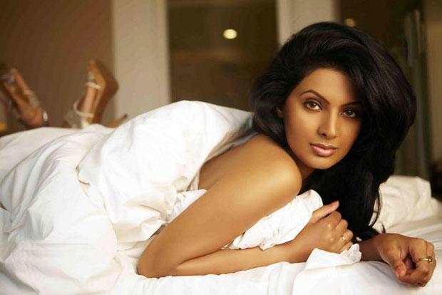 Geeta-Basra-Photo-Shoot-Photos (2)