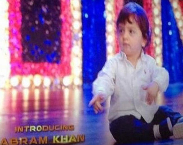Shahrukh-Son-Abram-Entry-in-Happy-New-Year-Photos (2)