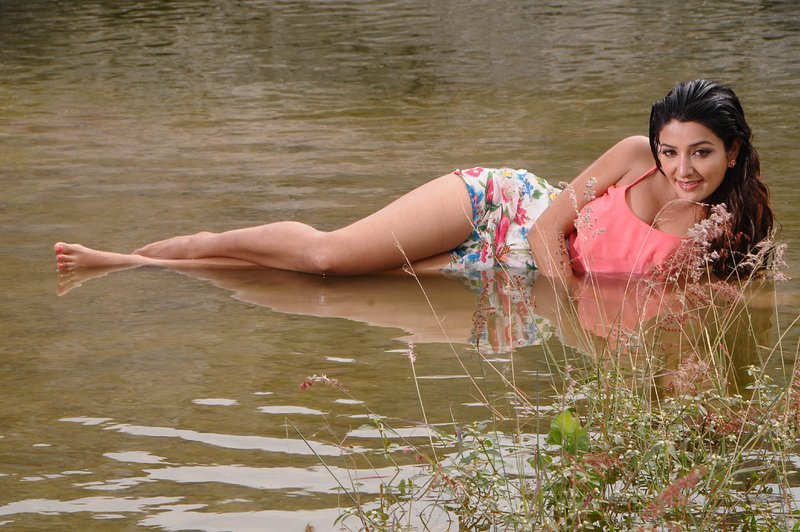 Soniya-Man-Hot-Stills-06