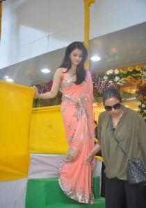 Aishwarya Rai at inauguration of Kalyan Jewellers_12