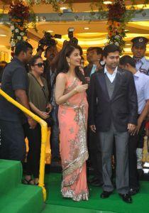 Aishwarya Rai at inauguration of Kalyan Jewellers_3