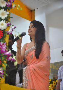Aishwarya Rai at inauguration of Kalyan Jewellers_6