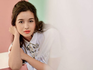 Alia-Bhatt--Latest-Photo-Shoot--12729