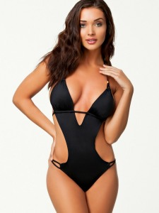Amy-Jackson-Hot-Bikini-Stills-04