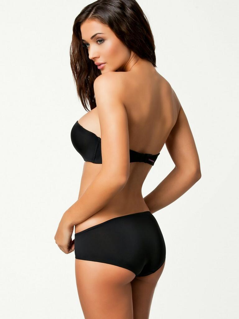 Amy-Jackson-Hot-Bikini-Stills-12