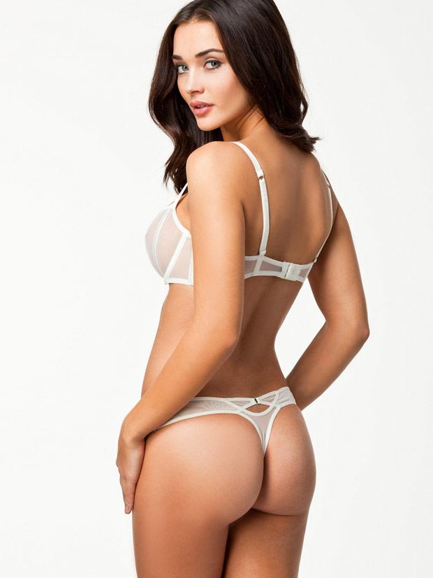 Amy-Jackson-Hot-Bikini-Stills-14