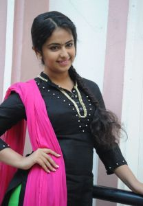 Avika Gor Latest Photos_25