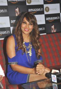 Bipasha Basu & Malaika Arora Photos_12