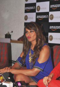 Bipasha Basu & Malaika Arora Photos_4