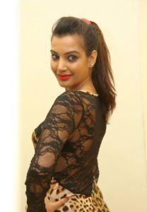 Deeksha Panth Hot Pics_19