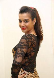 Deeksha Panth Hot Pics_20