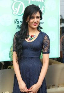 Diah Nicolas Latest Photos_3