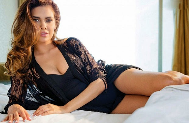 Esha-Gupta-Photo-Shoot-for-FHM-Photos-179