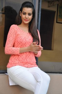 Diksha-Panth-Stills-4