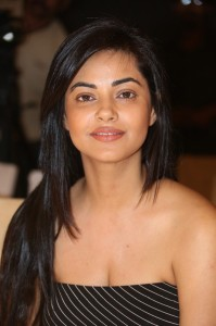 Meera-Chopra-New-Hot-Photos-26