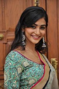 Pooja Hegde Cute Stills